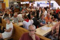 Besucher beim Dorffest in Binzen